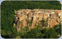 L'inespugnabile borgo di Calcata